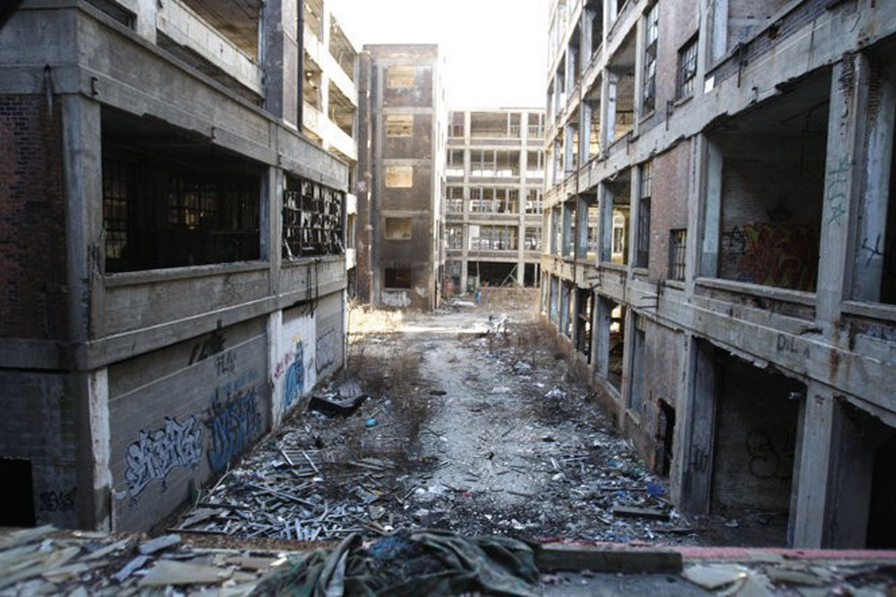 Detroit Links: Ruin porn as tourism industry, video game makers ...
