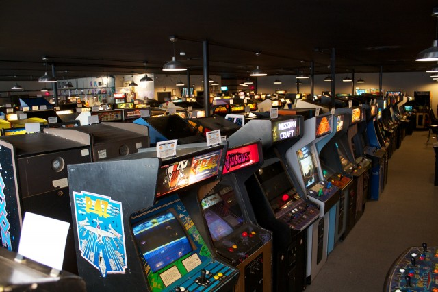 A visit to Galloping Ghost, the largest video game arcade in the USA   Ars  Technica